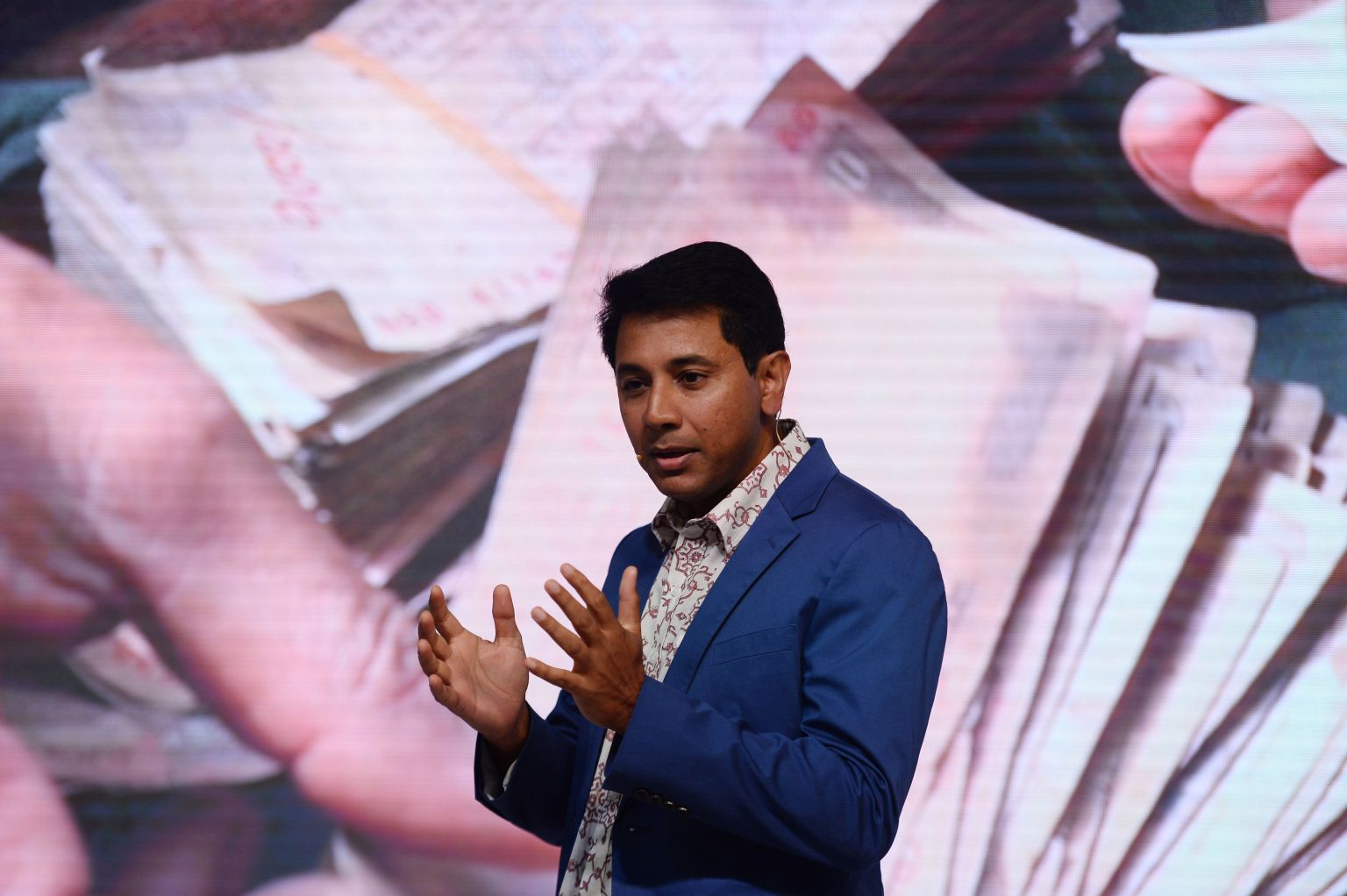 Mobile payments firms in India are now scrambling to make money After signing up hundreds of millions of users, startups switch to lending and lean on merchants in search of revenues Manish Singh@refsrc / 4:35 pm PDT • April 1, 2020